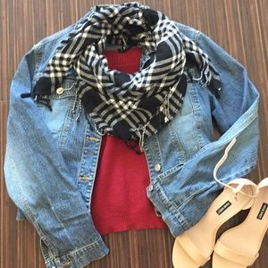 Accessories - Black plaid tasseled scarf